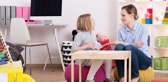 بازی درمانی به شیوه گفتاری