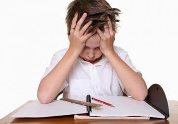 کودک مبتلا به ناتوانایی های یادگیری