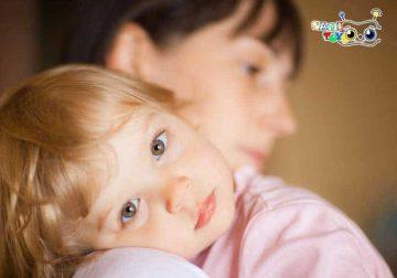 بغل کردن کودک دلبندتان