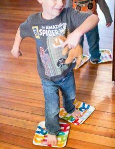 بازی لی لی کن - بازی کودکان زیر شش سال - انواع بازی کودکان