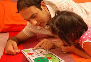 بازی کتاب قصه بسازید - بازی کودکان زیر شش سال - انواع بازی کودکان